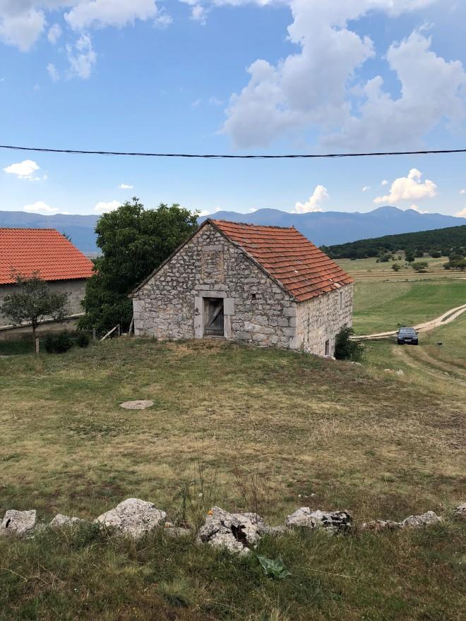 Stara kamena kuća.jpg